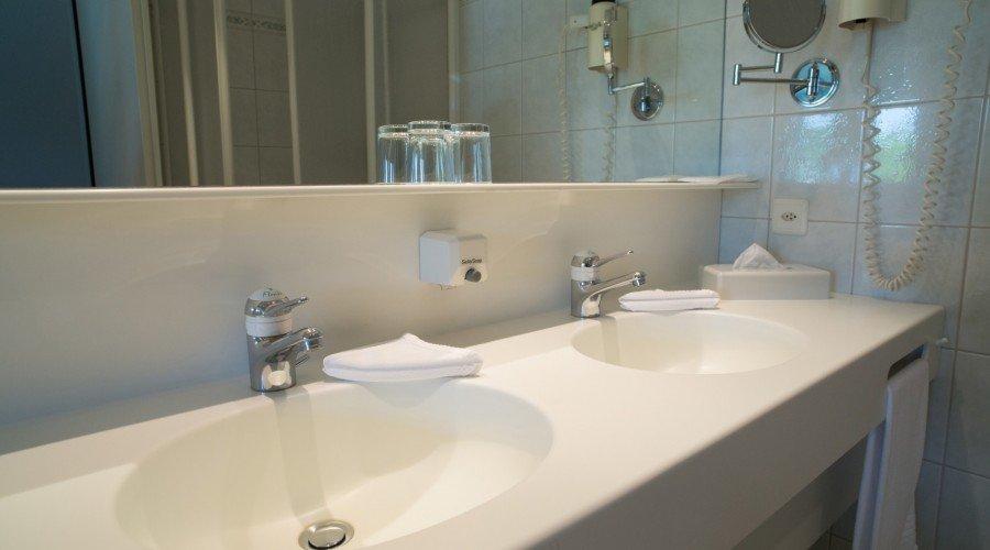 Chambres double ou simple Confort » florida.ch